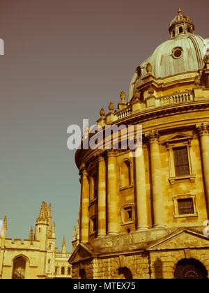 Radcliffe Camera Oxford University Reference Library, with all souls college in the background, Radcliffe Sq, Oxford, Oxfordshire, England, UK, GB. - Stock Photo