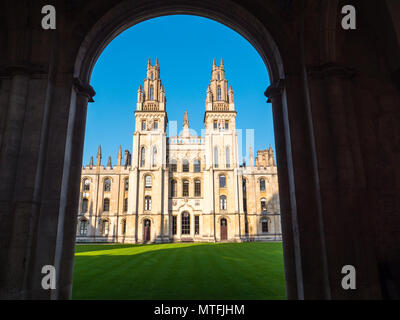 All Souls College, (College of the souls of all the faithful departed), Worlds Hardest Entrance Exam, Oxford University, Oxford, England, UK, GB. - Stock Photo