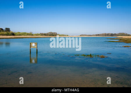 View of the broad River Yar, seen from the Causeway at Freshwater, Isle of Wight, Hampshire, UK. - Stock Photo