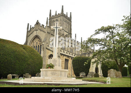 St Marys Church and War Memorial in Calne, Wiltshire, UK - Stock Photo