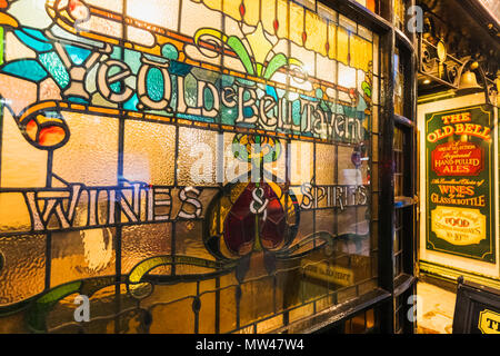 England, London, The City of London, The Ye Olde Bell Tavern Pub aka The Old Bell, Stained Glass Window Sign - Stock Photo