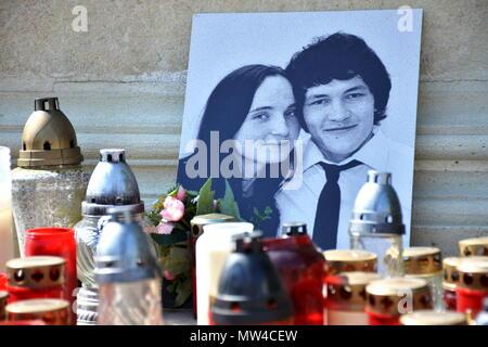 Jan Kuciak, Martina Kusnirova, candles, commemorates murdered reporter - Stock Photo