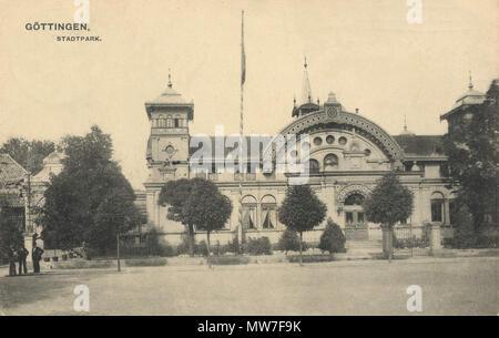 . Deutsch: Alte Stadthalle Göttingen, 1956 abgerissen . circa 1900. Unknown 40 AlteStadthalleGoettingen - Stock Photo