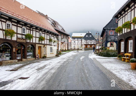 historische Umgebindehäuser in Waltersdorf Zittauer Gebirge - Stock Photo