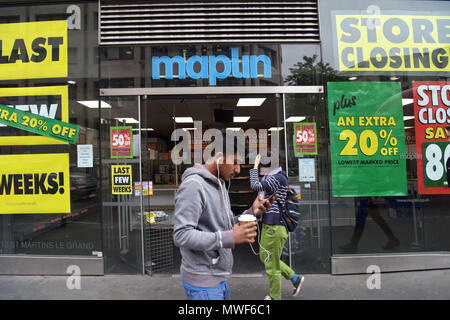 A Maplin store near St Paul's in the City of London with closing down signs. The electronic