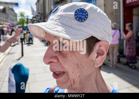 Chippenham, UK, 2nd June, 2018. A volunteer from the Bath for Europe group is pictured on Chippeham high street, the group are campaigning for a People's Vote on the final Brexit deal and are visiting towns outside Bath to engage with residents and to get their message across. Bath for Europe are a non-party-political group of volunteers campaigning for the UK to remain at the heart of the European Union. They are one of the most active local UK campaign organisations. Credit: lynchpics/Alamy Live News - Stock Photo