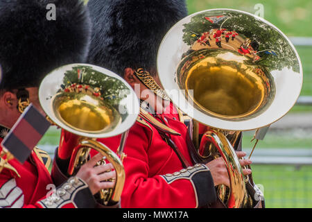 London, UK. 2nd June 2018. The bands arrive - Colonel's Review 2018, the last formal inspection of the Household Division before The Queen's Birthday Parade, more popularly known as Trooping the Colour. The Coldstream Guards Troop Their Colour and their Regimental Colonel, Lieutenant General Sir James Jeffrey Corfield Bucknall, takes the salute. Credit: Guy Bell/Alamy Live News - Stock Photo