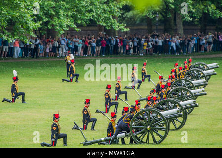 London, UK. 2nd June 2018. Firing the salute - The King's Troop Royal Horse Artillery fire celebratory a Royal Salute at 1pm on Saturday 2nd June to mark the Coronation Day. Credit: Guy Bell/Alamy Live News - Stock Photo