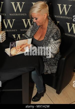 Liverpool, uk, kerry Katona Book Signing in Birkenhead credit Ian Fairbrother/Alamy Stock Photos - Stock Photo