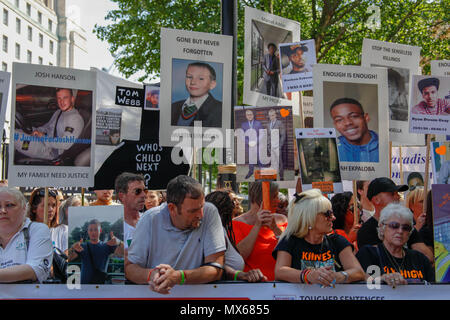 London, UK. 3rd Jun, 2018. Anti-knife crime protest opposite Downing Street. Signs for victims of Knife-Crime Credit: Alex Cavendish/Alamy Live News - Stock Photo