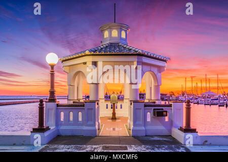 Corpus Christi, Texas, USA on the seawall at dawn. - Stock Photo