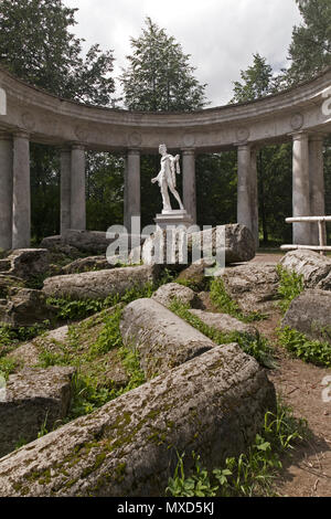 Pavlovsk Park Apollo Colonnade pavilion in Saint-Petersburg. The State Museum-Reserve 'Pavlovsk' - a summer residence of the Russian emperor Paul I an - Stock Photo
