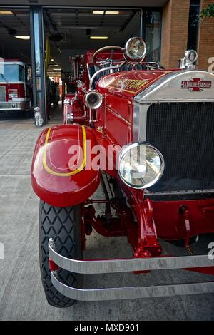 Charlottetown, Prince Edward Island, Canada: A 1929 American LaFrance-Foamite fire engine on display outside the Charlottetown firehouse. - Stock Photo