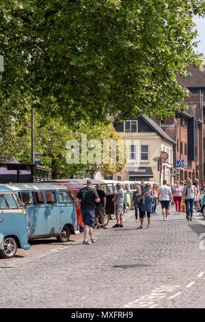 Horsham Town Centre hosting vintage VW Beetles, Camper Vans and associated vehicles - Horsham, West Sussex, UK. - Stock Photo