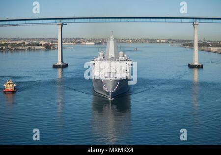 161118-N-MZ078-690  SAN DIEGO (Nov. 18, 2016)  San Antonio-class amphibious transport dock ship USS John P. Murtha (LPD 26) arrives to its new homeport Naval Base San Diego Nov. 18. (U.S. Navy photo by Seaman Lucas T. Hans/Released) - Stock Photo