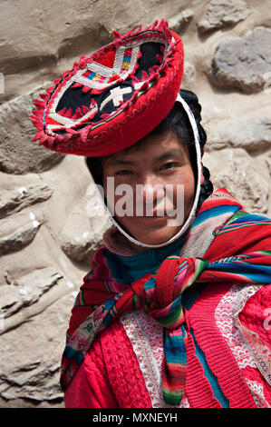 Peruvian girl, Ollantaytambo, Peru, South America Stock ...