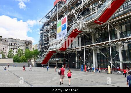 Paris, France. Hot bright sunny spring day, May 2018. The front of the Pompidou centre. - Stock Photo