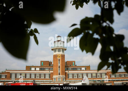 The Crowne Plaza Liverpool John Lennon Airport Hotel, formerly the terminal building of Liverpool Speke Airport, aerodrome art deco control tower - Stock Photo