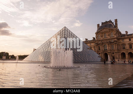 Museum du Louvre, Musée du Louvre and the glass pyramid, Paris, France, Europe. - Stock Photo