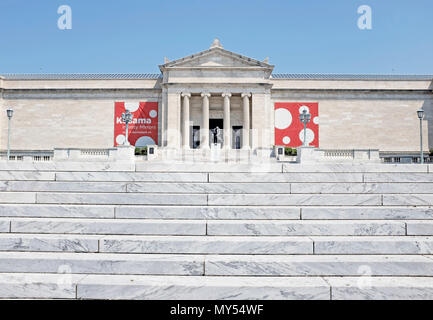The Beaux-Arts style Cleveland Museum of Art south entrance in the University Circle neighborhood of Cleveland, Ohio, USA. - Stock Photo