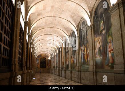 Madrid, Spain. 5th June, 2018. A woman visits the monastery of El Escorial at El Escorial, Spain, on June 5, 2018. Credit: Guo Qiuda/Xinhua/Alamy Live News - Stock Photo