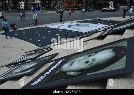 Mexico City, Mexico. 5th June, 2018. Portraits of the deceased children are seen displayed during the 9th anniversary protest. Demonstration to the impunity and corruption of the Government during the 9 years after the tragedy on 05, June 2009. 25 little girls and 24 little boys died as a result of a fire in the ABC Nursery in Hermosillo, Sonora. Eduardo Bours was the governor. Credit: Carlos Tischler/SOPA Images/ZUMA Wire/Alamy Live News - Stock Photo