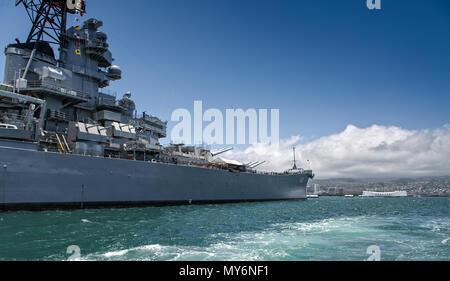 USS Arizona Memorial in Oahu, Hawaii - Stock Photo