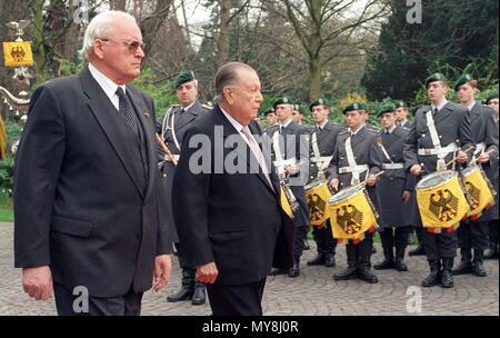President of Venezuela Rafael Caldera (l) and German