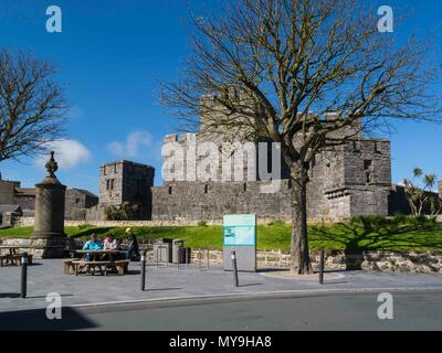 Castle Rushen originally built 1265 in centre of Castletown formerly Capital of isle of Man site pf Tynewald viewed from Market Place - Stock Photo