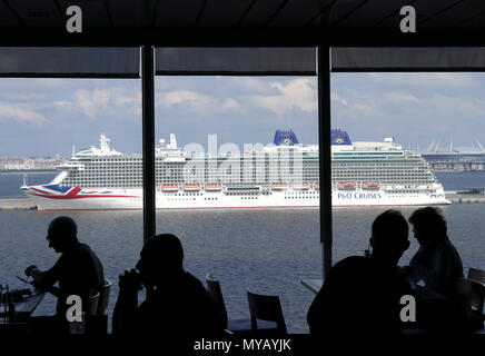 The 'Britannia' a ship belonging to P&O Cruises in the harbour of St Petersburg (Russia) on 10.06.2017. The ship was christened by Queen Elizabeth II in Southampton on 10 March 2015. It was commissioned in 2015. Photo: Peter Zimmermann/dpa-Zentralbild/ZB | usage worldwide - Stock Photo