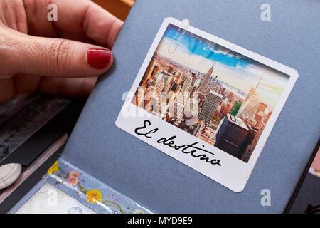 Scapbook new york album with textured paper el destino - Stock Photo