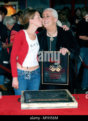Grace Slick received a kiss from her daughter China Kanter after been inducted on the Rock Walk of Fame at the Guitar Center in Los Angeles. October 22, 2002.            -            GraceSlick KanterChina11.jpgGraceSlick KanterChina11  Event in Hollywood Life - California, Red Carpet Event, USA, Film Industry, Celebrities, Photography, Bestof, Arts Culture and Entertainment, Topix Celebrities fashion, Best of, Hollywood Life, Event in Hollywood Life - California, movie celebrities, TV celebrities, Music celebrities, Topix, Bestof, Arts Culture and Entertainment, Photography,    inquiry tsuni@ - Stock Photo