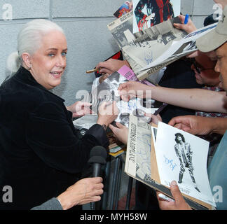 Grace Slick signing authograph after been inducted on the Rock Walk of Fame at the Guitar Center in Los Angeles. October 22, 2002.            -            GraceSlick RockWalkOfFame03.jpgGraceSlick RockWalkOfFame03  Event in Hollywood Life - California, Red Carpet Event, USA, Film Industry, Celebrities, Photography, Bestof, Arts Culture and Entertainment, Topix Celebrities fashion, Best of, Hollywood Life, Event in Hollywood Life - California, movie celebrities, TV celebrities, Music celebrities, Topix, Bestof, Arts Culture and Entertainment, Photography,    inquiry tsuni@Gamma-USA.com , Credit - Stock Photo