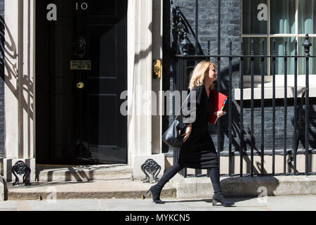 London, UK. 6th June, 2018. Esther McVey MP, Secretary of State for Work and Pensions, leaves 10 Downing Street following a meeting. - Stock Photo
