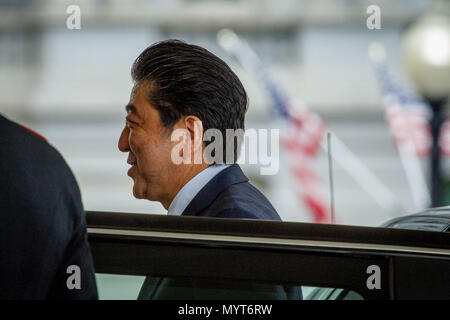 Washington DC, USA. 7th June, 2018. Japanese Prime Minister Shinzo Abe arrives for a meeting with President Donald Trump at the White House. Credit: Michael Candelori/Alamy Live News - Stock Photo