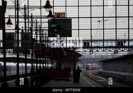 Moscow, Russia. 07th June, 2018. MOSCOW, RUSSIA - JUNE 7, 2018: Kiyevsky Railway Station. Sergei Fadeichev/TASS Credit: ITAR-TASS News Agency/Alamy Live News - Stock Photo