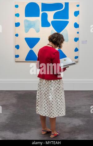 London, UK. 8th Jun, 2018. Berlin Bluse 2 by William Scott, est £350-450,000 - Modern and Post-War British Art, part of Modern British Art Week Sotheby's New Bond Street, London, on 12-13 June 2018. Credit: Guy Bell/Alamy Live News - Stock Photo