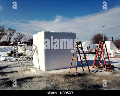 Minnesota, USA. 29th Jan, 2016. A giant block of snow awaits carving at the St. Paul winter carnival snow sculpting - Stock Photo