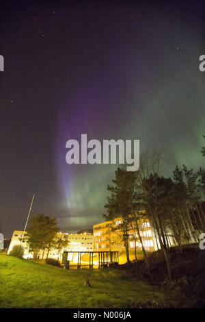 Bergen, Norway. 7th April, 2016. EUweather:  Extreme Northern Light activity over Bergen, Western Norway. 7th April, - Stock Photo