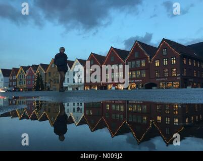 Bryggen 21, Bergen, Norway. 01st Dec, 2016. European weather; Christmas decorated and tree at the UNESCO World Heritage - Stock Photo