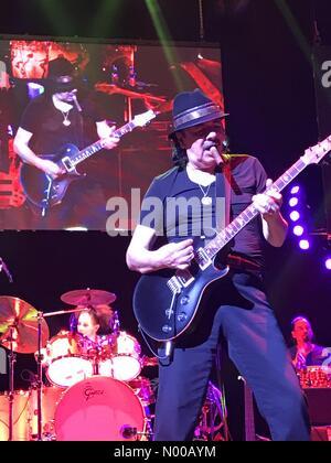 Las Vegas, Nevada, USA. 3rd February, 2017. Santana jamming at house of blues Las Vegas Credit: socalgal / StockimoNews/Alamy - Stock Photo
