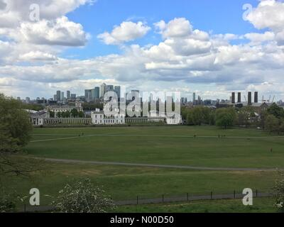 Blackheath Ave, London, UK. 25th Apr, 2017. Blue sky and puffy clouds over maritime Greenwich on a bright but chilly - Stock Photo