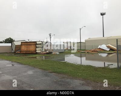 SW 2nd St, Oklahoma City, Oklahoma, USA. 29th Apr, 2017. Extreme winds roll over storage sheds in Oklahoma City - Stock Photo