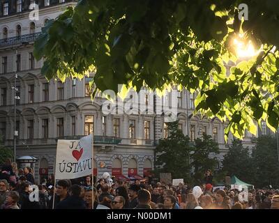 Prague, Czech Republic. 10th May, 2017. Démonstration against the president Miloš Zeman and minister of finance - Stock Photo