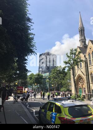 Lancaster Rd, London, UK. 14th June, 2017. Grenfell Tower Building Fire London Credit Andy Morton Credit: andymorton/StockimoNews/Alamy - Stock Photo