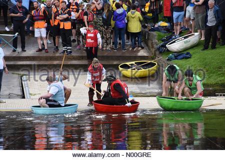 Shrewsbury, UK. 15th Sep, 2017. Coracle racing on the Severn in Shrewsbury Credit: philpickin/StockimoNews/Alamy - Stock Photo