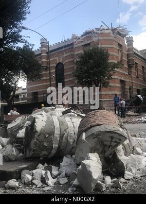Orizaba 110, Roma Nte., Ciudad de México, Ciudad de México, Mexico. 19th Sep, 2017. A building partially damaged - Stock Photo