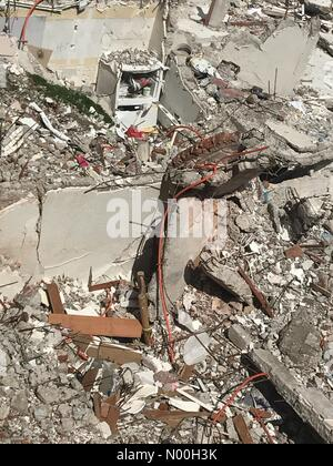 Mexico City, Mexico. 6th Oct, 2017. The rubble of a building that collapsed in Amsterdam & Laredo streets after - Stock Photo