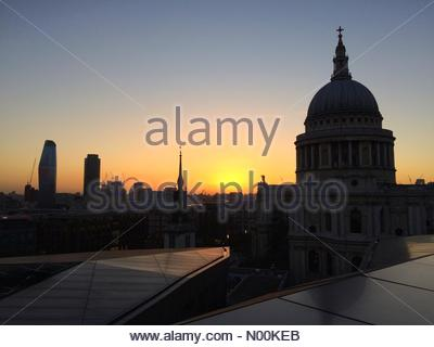 London, UK. 15th February 2018. UK Weather: Sunset over St Paul's Cathedral seen from One New Change building. Credit: - Stock Photo