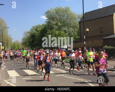 London, UK. 22nd Apr, 2018. Virgin Money London Marathon 2018 Credit: Susannah Jayes/StockimoNews/Alamy Live News - Stock Photo